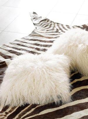 Mongolian wool cushion 40 x 40 cm   Simons Maison