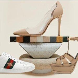 低至5折 €332收Valentino铆钉小白鞋潮奢男士鞋履全场折扣 制霸秋冬 收Gucci、Balenciaga、Valentino等超大牌