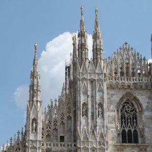 直飞往返$238起纽约--意大利米兰 往返机票低价