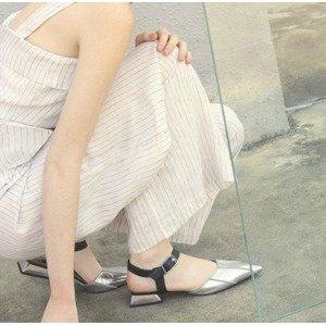 低至3折 + 包邮 夏日必备美鞋不要错过11.11独家:Charles Keith 精选美鞋、美包热卖