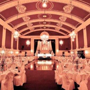 $9500 (原价$12500)可容纳200人The Regal Ballroom 墨尔本CBD 婚礼宴会厅
