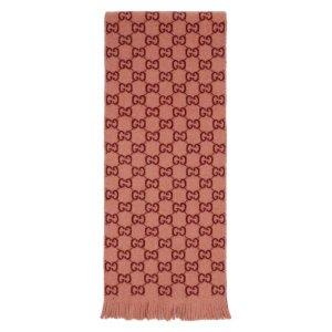 Gucci粉色长款围巾