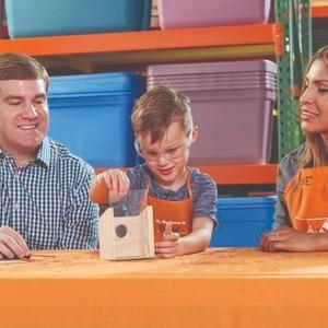 制作小鸟屋预告:4月The Home Depot 免费的儿童手工作坊活动