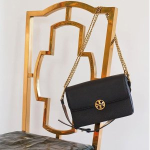 Up to 70% OffSelect Cross-body Bags @ Tory Burch