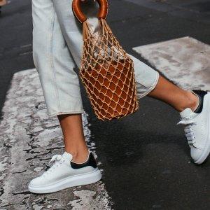 1.5折起 £135收小白鞋Alexander McQueen 强势回归 多款小白鞋、切尔西靴参与