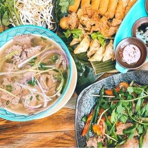 开胃菜,主菜和甜点,越南特色菜
