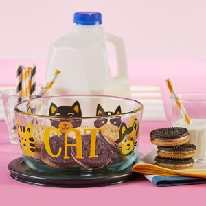 CorelleFurever Cat 4-cup Glass Food Storage Container with Black Lid