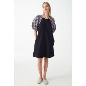 COS格纹泡泡袖连衣裙