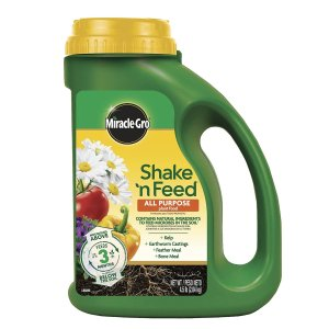 $9.98Miracle-Gro Shake 'N Feed All Purpose Plant Food, 4.5 lbs