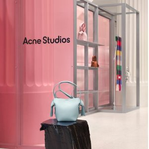 一律8.5折 logo围巾$254Acne Studios 新品促 爆款衣服、围巾、帽子、包包都有