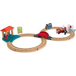 Thomas & Friends Racing Figure-8 Set Wood