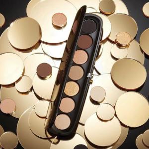 现价$59 (价值$83)Marc Jacobs眼影盘+眼影刷套装热卖 收超温柔红棕盘