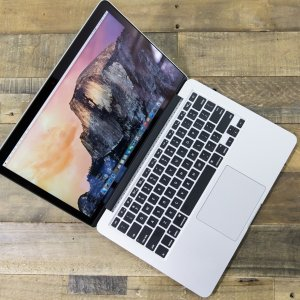8折Apple MacBook Pro 13.3 寸笔记本 i5-7360U / 8GB / 512GB