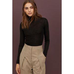 H&M黑色羊绒打底衫