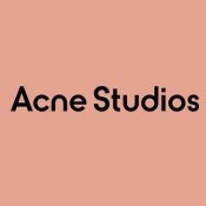 低至3.3折 €102收渔夫帽Acne Studios 罕见好价 收囧脸T恤、卫衣、logo大围巾