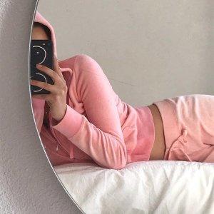 香芋紫套装超火爆Juicy Couture X UO 美式休闲慵懒风 丝绒款运动服仙女必备