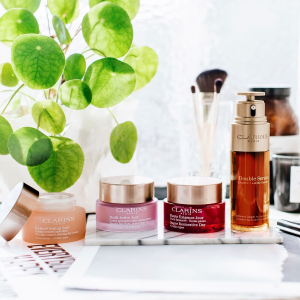 FREE 5-Piece Giftwith any $100+  @ Clarins