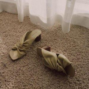 低至3折 Marli平底鞋$79