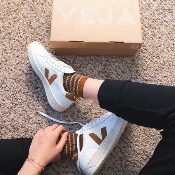 V-12 休闲鞋