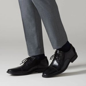 Clarks系带皮鞋