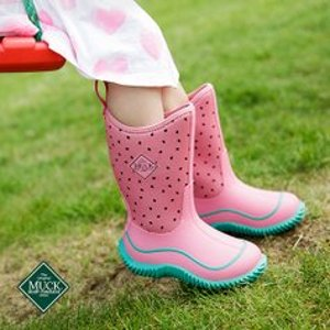 Up to 60% OffMuck Kids Rain Boots Sale @ Zulily