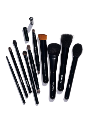 40% OffBeauty Brushes Sale @ Marc Jacobs Beauty