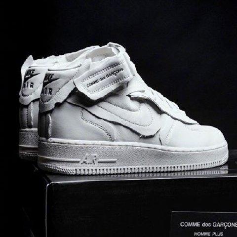 断码飞快拼手速CDG x Nike Air Force 1 Mid 全新联名正式发售