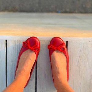 低至5折 €74收经典芭蕾鞋Pretty Ballerinas 全球最著名芭蕾鞋 好莱坞明星都在穿它