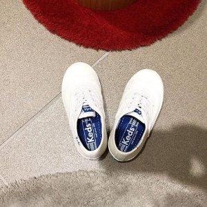 7.4折起Keds 文艺童鞋 收猫咪鞋 玛丽珍款$37起、刺绣小白鞋$45