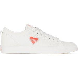 adidas Originals爱心小白鞋