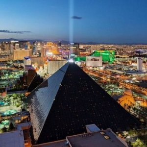 Two Complimentary Buffets per nightMGM Resort Luxor Hotel Semi-Annual Sale