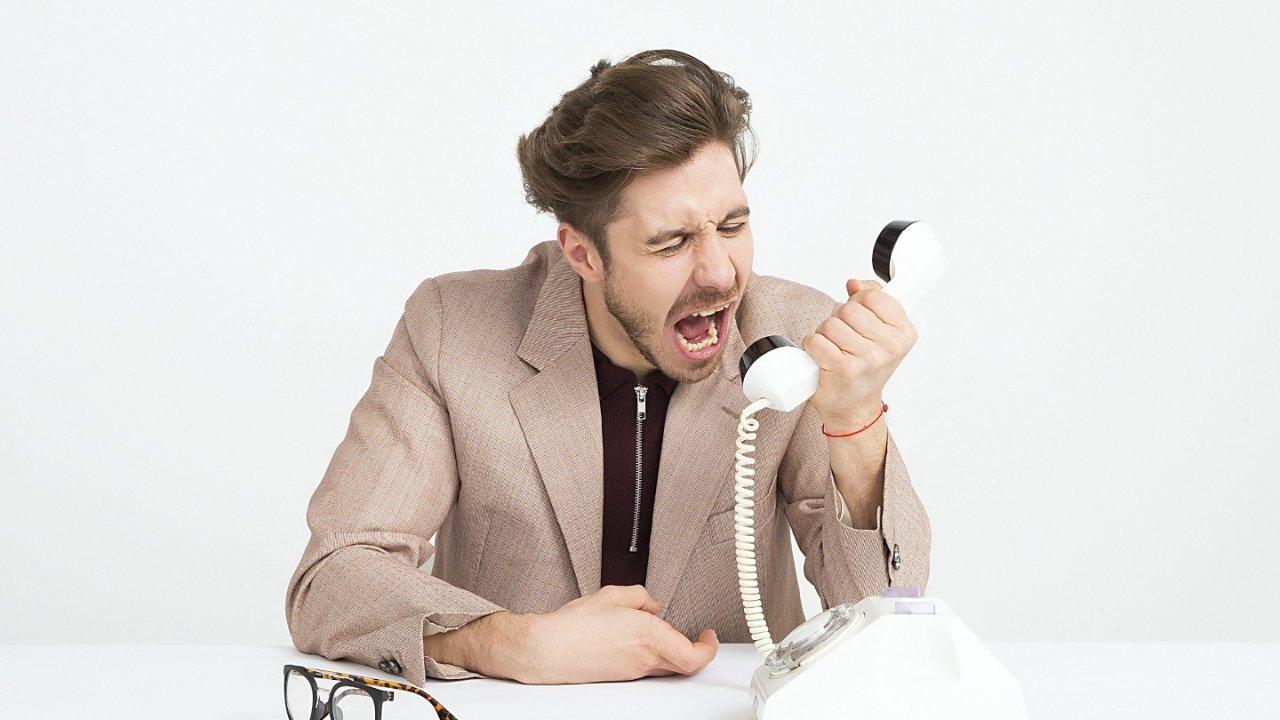 法国人通电话常用表达总结 ,告别电话铃声恐惧症!附常用法语口语例句
