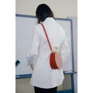 绣橙色中号圆形包
