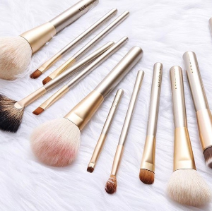$49Highlight & Define Makeup Brush Set @ Eve By Eves