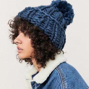 $10起 围巾、帽子等Urban Outfitters 冬季温暖加分配饰