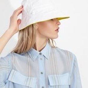 一律5折 收阿玛尼旗下潮牌Armani Exchange 折扣区热卖 封面衬衫$55,拼色吊带裙$65