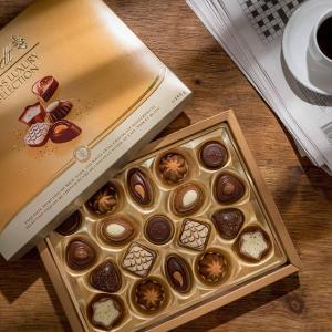 全场礼盒7折,礼卡半价Lindt 瑞士莲巧克力全场特惠 仅限店内