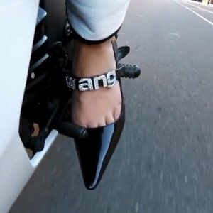 4折起+额外9折 £371收铆钉鞋Harvey Nichols 鞋靴专场大促  VLTN、Chloe、A王等齐参与