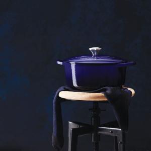 $300 (原价$429)厨房中的LVLE CREUSET 法国圆型25cm铸铁锅 马赛蓝