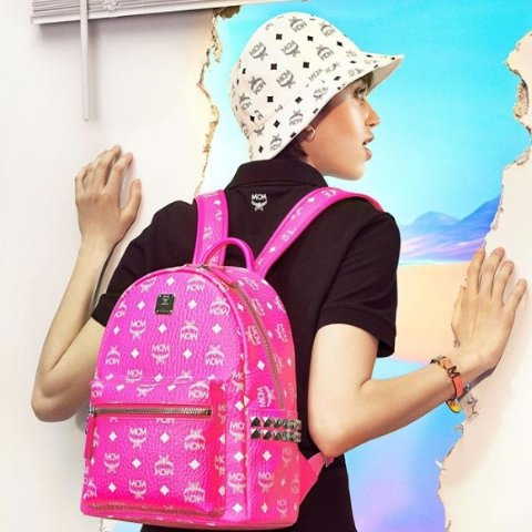 每满$100立减$25 收经典双肩包Bloomingdales 精选MCM时尚美包热卖