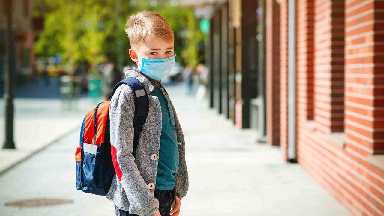 2020返校季   疫情期间送孩子上学安全吗?家长可以怎么办?