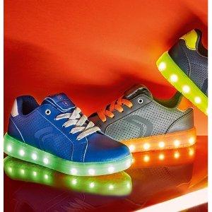 $80起+免运+好礼上新:Geox 七色LED闪灯童鞋,USB充电,呼吸透气好品质