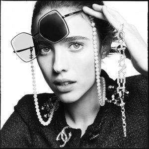 无门槛9折 £232就收Logo墨镜Chanel 春夏新款墨镜折扣入 链条款立显贵妇气质