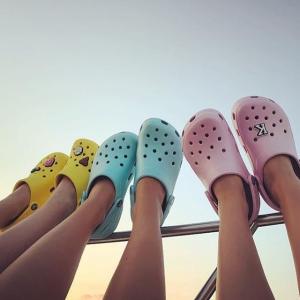 低至2.9折黑五价提前享:Crocs 精选舒适鞋履热卖