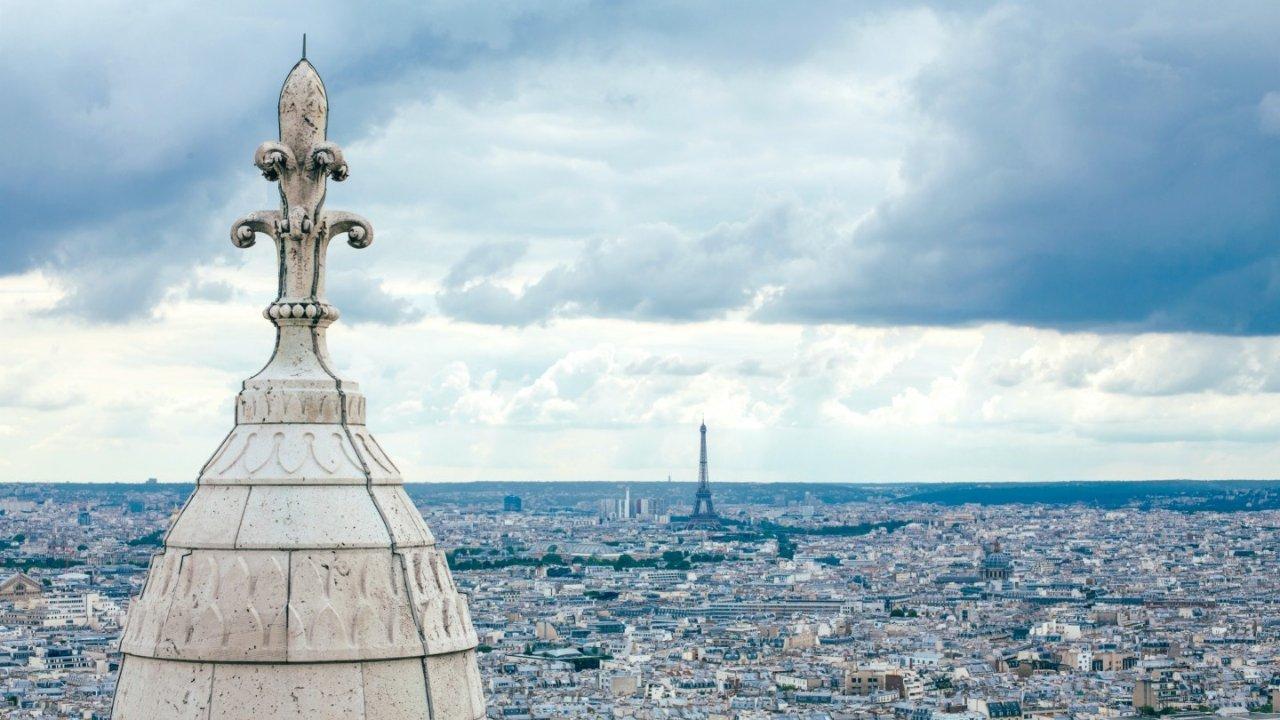 能看到巴黎全景的酒吧一览,边喝酒边看巴黎美景,而且还不贵!