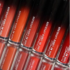 火爆亚洲,英国即将上市预告:MAC Cosmetics Love Me 渐变唇釉,Lisa同款不拔干的哑光口红