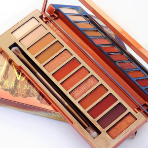 $34URBAN DECAY Naked Heat Eyeshadow Palette