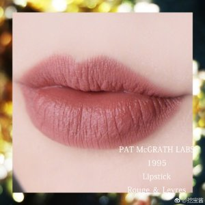 Pat McGrath色号:1995MATTETRANCE™ 哑光唇膏