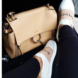 低至额外6.5折 Faye手提包$823Chloe 美包、美鞋上新热卖 花瓣鞋$274