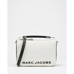 The Marc Jacobs封面同款The Soft Box 23斜挎包